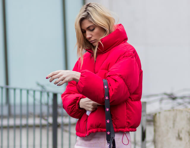 Die schönsten warmen Daunenjacken für Frauen diesen Winter